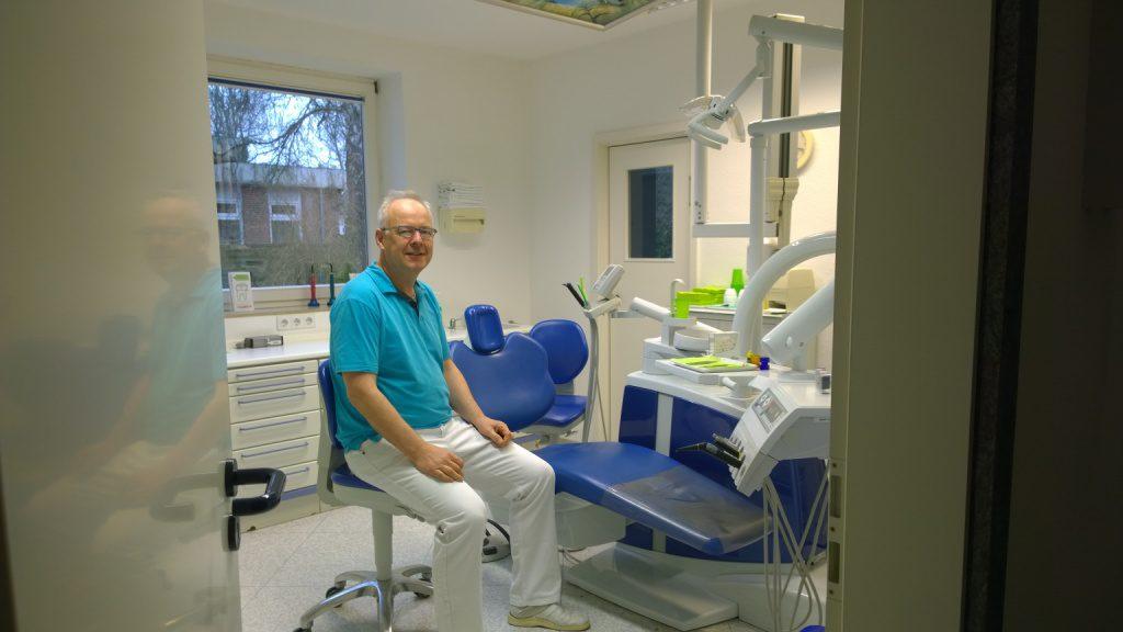 leitender Zahnarzt Dr. Jürgen Hasenpusch