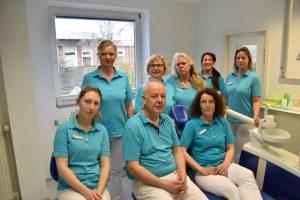 Praxisteam im Behandlungsraum
